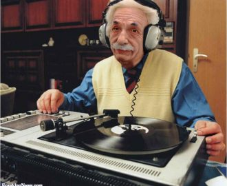 Albert Einstein the DJ